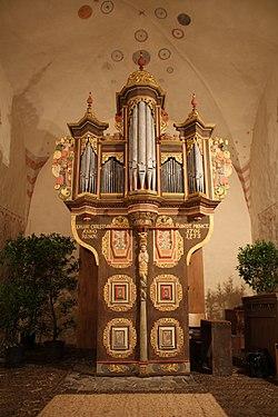 Hatzfeld Emmauskapelle Orgel (08).jpg