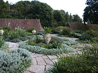 Hestercombe Dutch Garden1.jpg