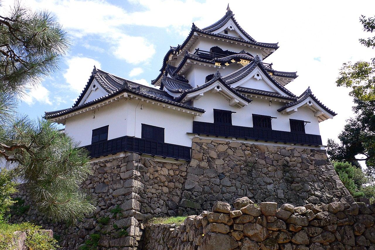 Hikone castle18s3200.jpg