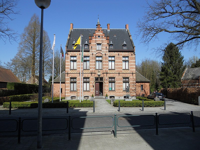 Hofke van Chantraine, former parsonage of Oud-Turnhout, Belgium. Now an arts and history center and also the location of the tourism office. Built by architect P.J. Taeymans in 1895 in Neo-Flemish Renaissance style.
