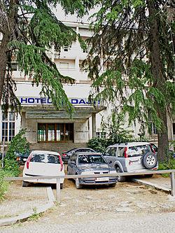 Hotel Dajti - Hyrja.jpg