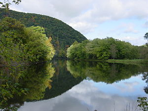 Housatonic River - Image: Housatonic river