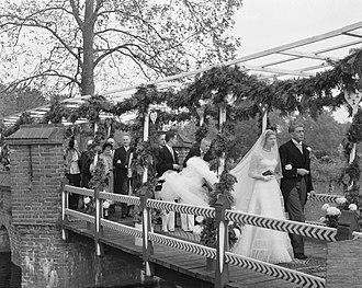 Marie-Hélène de Rothschild - Marie-Hélène and her father Egmont, at her 1950 wedding