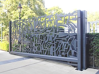 Rush of Green - Image: Hyde Park gate by Wendy Ramshaw
