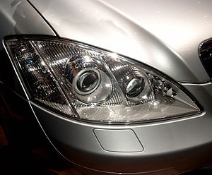 Mercedes-Benz S-Class (W221) - Night View Assist active infrared projector visible next to Bi-Xenon HID main headlight