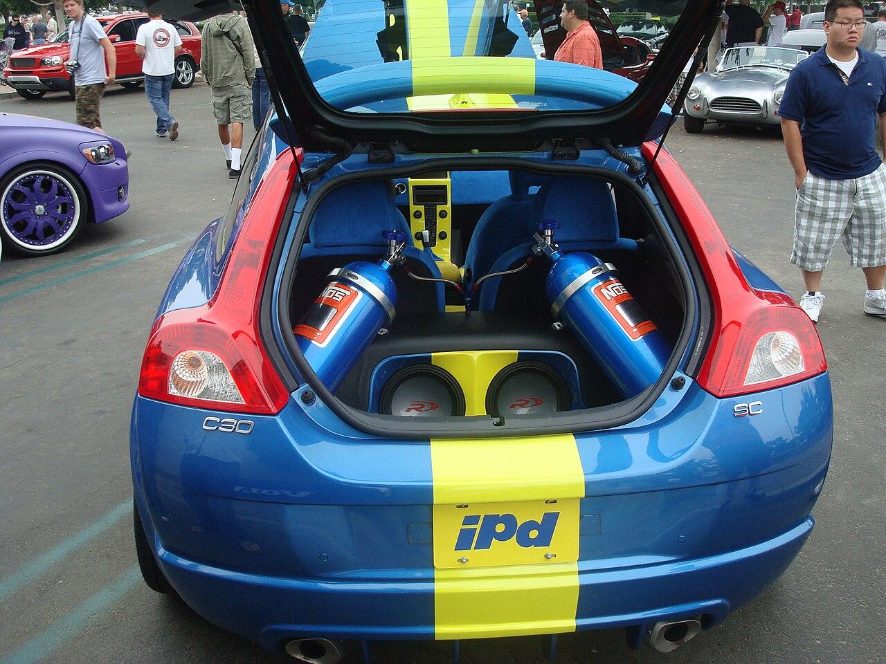 Nos Car: File:IPD VOLVO C30 NOS TANKS.JPG