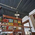Interieur winkel, overzicht plafond met originele kleur - Feerwerd - 20369383 - RCE.jpg