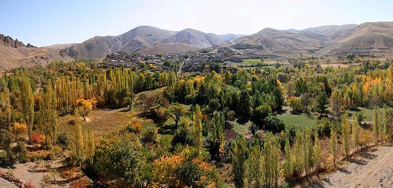 File:Iran-Zanjan.Blobin.H.Jafariبلوبین..حسن جعفری - panoramio.jpg