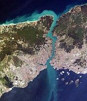 stretto del Bosforo, che separa l'Europa dell'Asia
