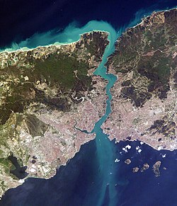 Image satellite du Bosphore.