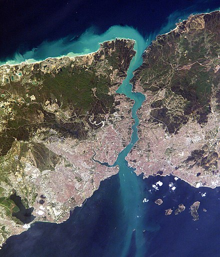 Satellite view of Istanbul and the Bosphorus strait Istambul and Bosporus big.jpg