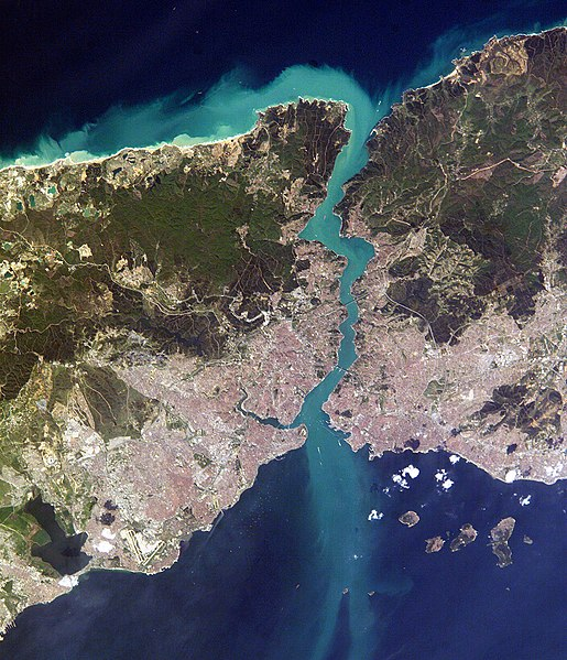 File:Istanbul and Bosporus big.jpg