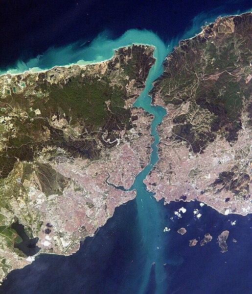 File:Istanbul and Bosporus big.jpg