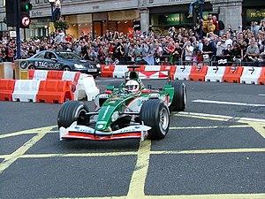 Jaguar R5 - R5 presented in London on 6 July 2004