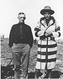 James Willard Schultz and Lone Wolf, 1920.jpg