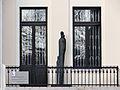 Janusz Korczak's monument at 6 Jaktorowska Street in Warsaw - 04.jpg