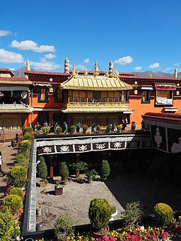 Jokhang Temple (23169928521)