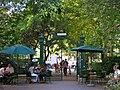 Károlyi-kert bejárata 2009-ben.jpg