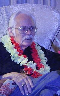 Kelly Freas on his 82nd birthday (2004)
