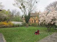 Khojaly Massacre Memorial (Berlin) Reading garden.jpg