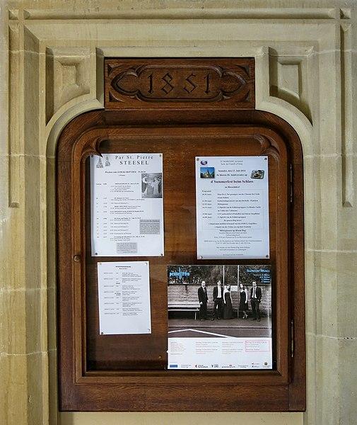 Informatiounskëscht mat der Joreszuel 1851 an der Kierch zu Steesel.