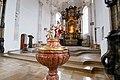 Kirche St. Georg und Michael, Augsburg. Taufbecken.jpg