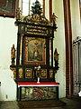 Konkatedra w Chełmży-barokowy ołtarz boczny.JPG