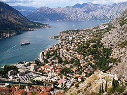 Kotor from the Kale - panoramio.jpg