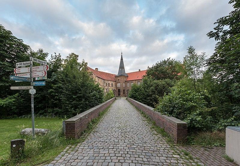 File:Lüdinghausen, Burg Lüdinghausen -- 2016 -- 3568.jpg