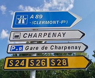 La Tour-de-Salvagny - Panneaux directionnels (juil 2018).jpg