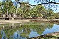 La chaussée surélevée daccès au Baphuon (Angkor) (6875750401).jpg