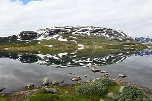 Lake Ståvatn Norway 3047.jpg
