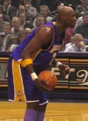 Lamar Odom in a Lakers/Bucks game, December 6, 2005