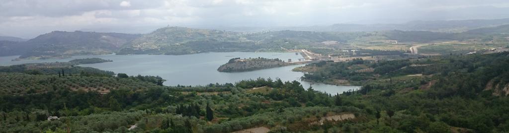 Panorama Ayn al-Bayda, Latakia, sebuah desa di Suriah Utara