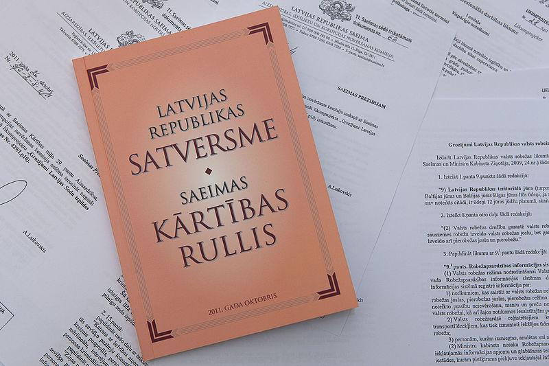 File:Latvijas Republikas Satversme un Saeimas kārtības rullis (6285426657).jpg