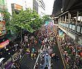 Le hoi Songran, silom road- Silom, Bang Rak, Bangkok, Thái Lan - panoramio.jpg