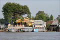 Le village flottant (Chau Doc, Vietnam) (6620583143).jpg