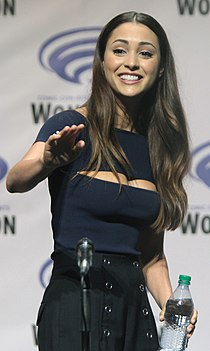 Lindsey Morgan Wondercon 2016.jpg