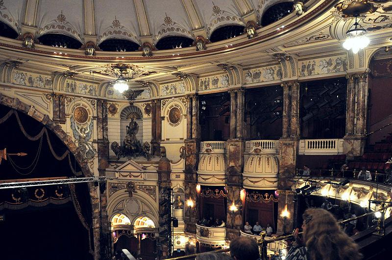 File:London Coliseum auditorium 003.jpg