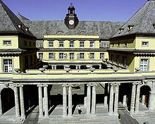 Sede mondiale dell'assicurazione Munich Re in via Königin