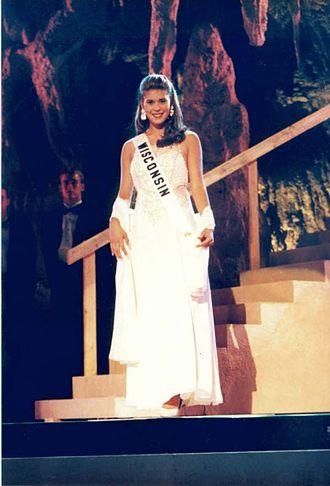 Miss Wisconsin Teen USA - Nicole Lynn Werra, Miss Wisconsin Teen USA 1996