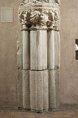 Elément d'un pilier engagé à noyau flanqué de colonnes