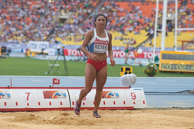 Macarena Reyes (2013 World Championships in Athletics) 02.jpg