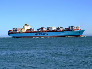 Maersk Sofia p08 approaching Port of Rotterdam, Holland 04-Aug-2007.jpg