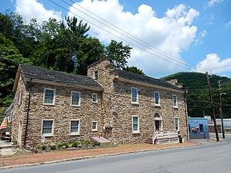 Mount Carbon, Pennsylvania - Image: Main St, Mount Carbon PA 02