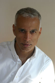 Manil Suri, author photo by Jose Villarrubia.jpg