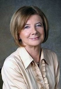 Maria Kaczyńska (official portrait) cropped.jpg