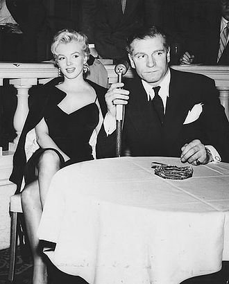 The Prince and the Showgirl - Marilyn Monroe and Laurence Olivier at a press conference announcing their partnership