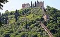 Marostica Castello Superiore con Mura.jpg