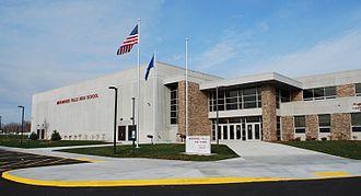 Menomonee Falls High School - Image: Menomonee Falls High School 2014 03 23 21 12